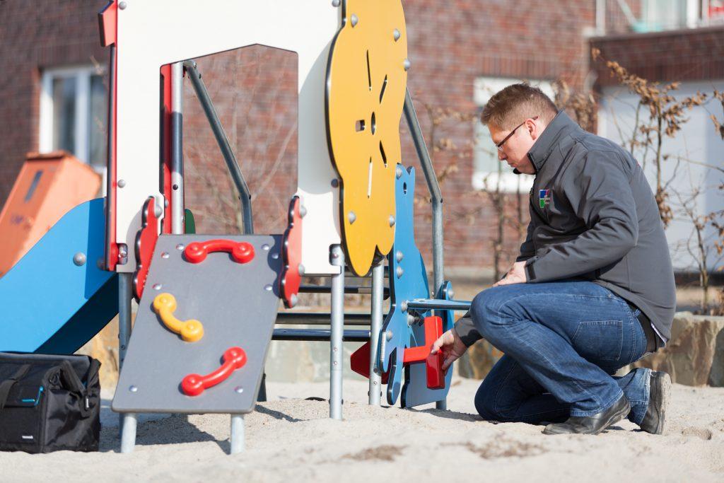 Spielplatzsicherheit Spielplatzkontrolle nach DIN SPEC 79161 Mönchengladbach Düsseldorf Neuss Köln